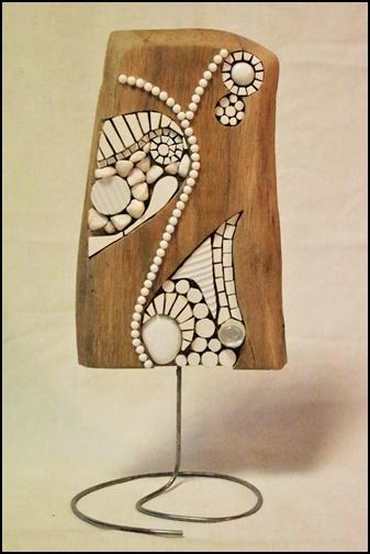 Voile et lagune, mosaïque sur pied